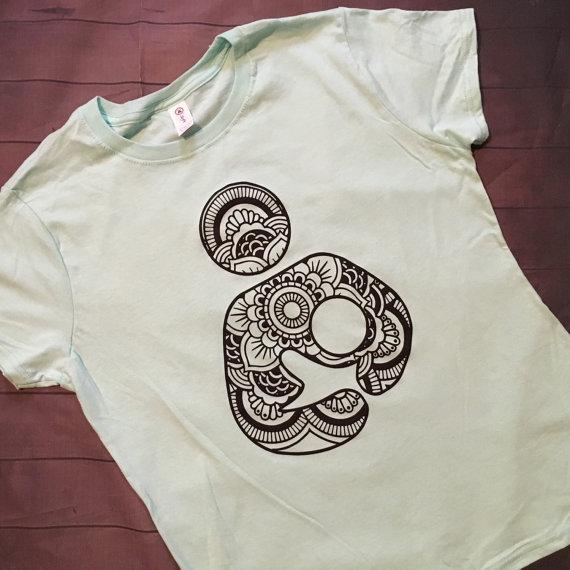 cool-babywearing-t-shirts-etsy-breastfeeding-tshirt-babywearing-on-a-budget-blog