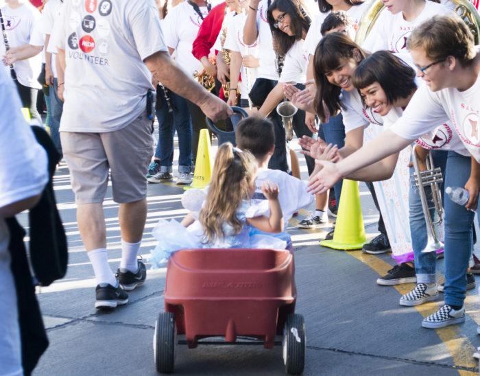 choc-walk-disneyland-wagon-kids